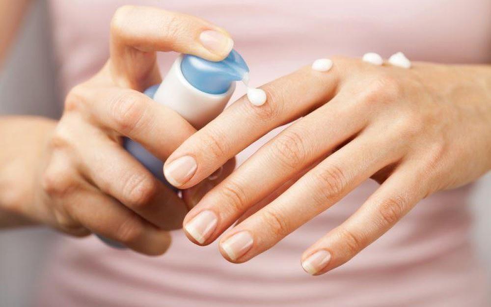 Dry skin body moisturizers
